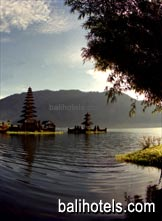 Ulun Danu Temple at Lake Beratan