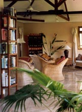 Udayana Eco Lodge - library
