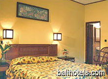Hotel Puri Dalem - superior room double bed