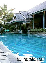 Vila Rumah Manis - swimming pool