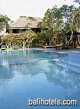 Sri Ratih Cottages - swimming pool