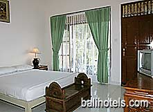 Sri Ratih Cottages - superior room double bed