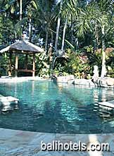 Taman Rahasia - swimming pool